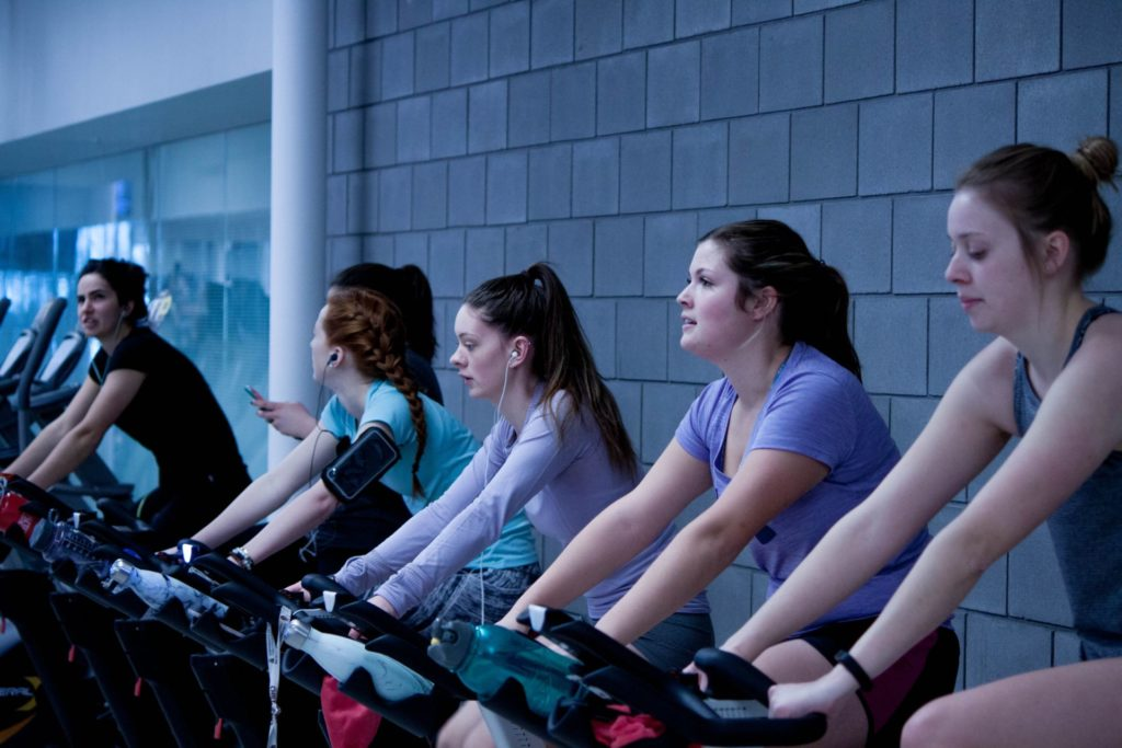 Why group classes are a double-edged sword - Strong Links Fitness